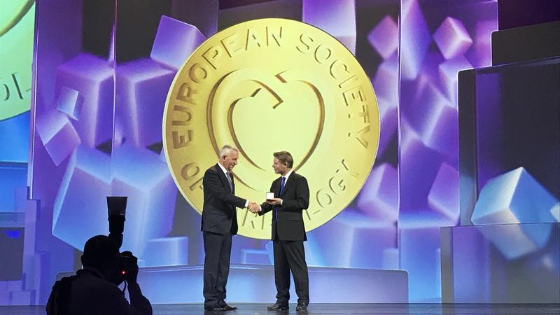 Главу центра Алмазова наградили золотой медалью Европейского кардиологического общества